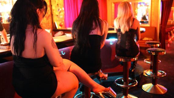 Augsburg: Zuhälter soll Prostituierte misshandelt haben