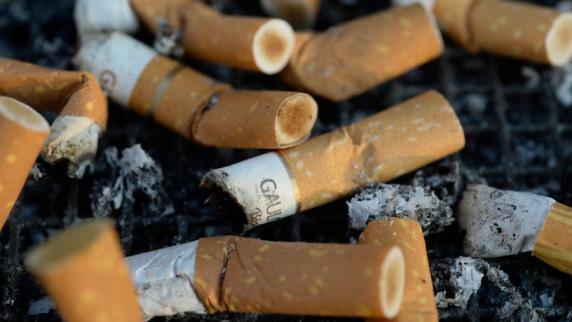 Einige Jugendliche fangen an zu rauchen