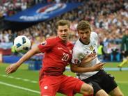 EM 2016: Weltmeister in der Klemme: Deutschland muss sich mit 0:0 begnügen