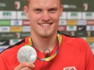 FC Augsburg: Philipp Max kehrt mit Silbermedaille zum FCA zurück