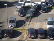 Düren: Autofahrerin (75) demoliert 15 geparkte Wagen