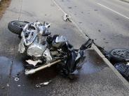 Kreis Neu-Ulm: Motorradfahrer stirbt nach Zusammenstoß mit Auto