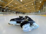Burgau: Einblick in das neue Eisstadion