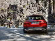 "Neuvorstellung: E-Klasse ""All-Terrain"": Mercedes bringt einen Kombi-SUV-Zwitter"