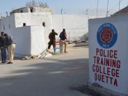 Terrorismus: IS bekennt sich: 60 Tote bei Anschlag auf Polizeischule in Pakistan