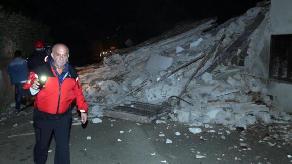 Italien: Schwere Erdbeben erschüttern Mittelitalien