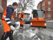 Augsburg: Glatteis sorgt für Unfälle und Knochenbrüche