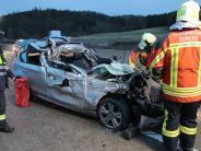 Günzburg: 21-Jähriger bei Unfall auf der A8 schwer verletzt