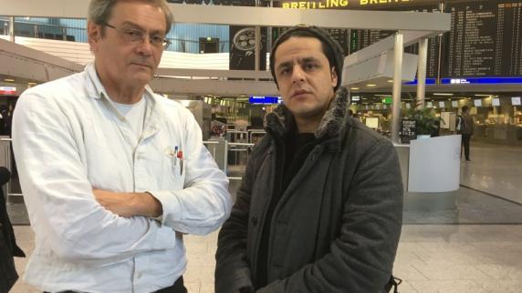 Augsburg: Abgeschoben: Pouya fliegt ins Ungewisse