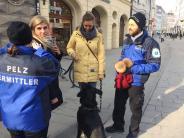 "Augsburg: ""Pelz-Polizisten"" sprechen Passanten auch auf Kunstfell an"