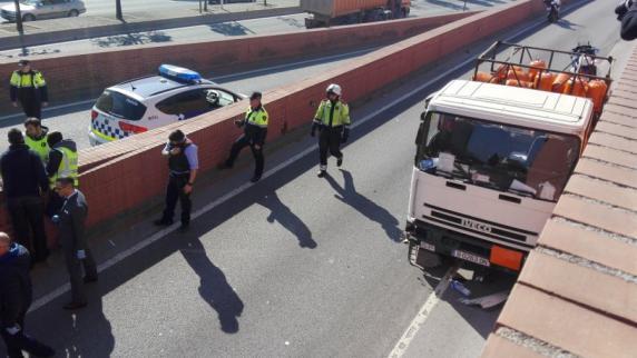 Barcelona: Geisterfahrt: Polizei stoppt mit Gasflaschen beladenen Lkw