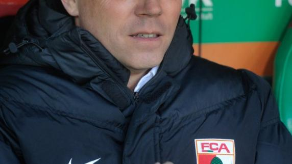 FC Augsburg: FCA-Chefscout Schwarz über Schuster und neue Stürmer