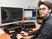 Lehrstellenoffensive: Dieser junge Mann macht Hightec in Handarbeit