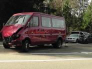 Kreis Donau-Ries: Vier Schwerverletzte: Fahrer eines Transporters übersieht Auto