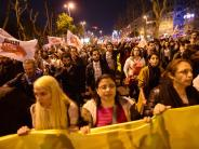 News-Blog zur Türkei: Erdogan erklärt Sieg, Opposition spricht von Unregelmäßigkeiten und will Ergebnis anfechten