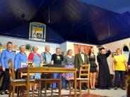 Bildergalerie: Auf der Gräbinger Theaterbühne geht es ums große Geld