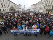 """""""March for Science"""": Münchner Wissenschaftler marschieren für die Wissenschaft"""