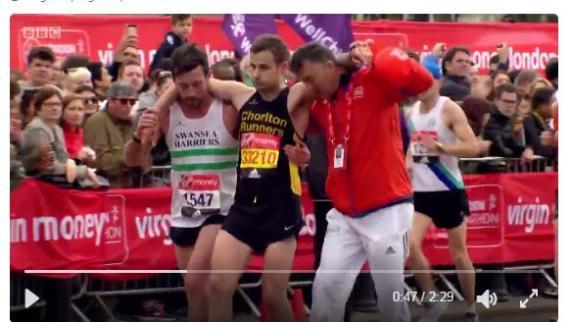 Internet-Video: Marathon-Läufer stoppt kurz vor Ziel, um Konkurrenten zu helfen