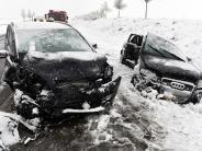 Region: Wintereinbruch sorgt für Unfälle und umgestürzte Bäume
