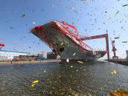 """Typ 001A"": China lässt ersten selbstgebauten Flugzeugträger zu Wasser"
