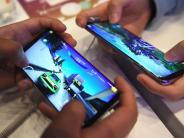 Smartphone: Marktforscher: Samsung holt sich Spitzenplatz von Apple zurück
