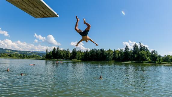 Hitze und Sonne pur: Sommer in Bayern bringt Ansturm auf Badeseen