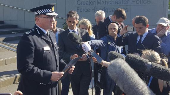 Manchester: 23 Tote nach Explosion - Polizei identifiziert den Attentäter