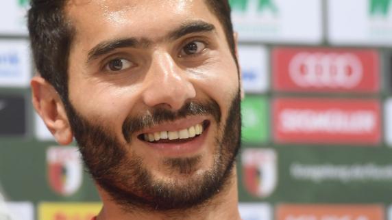 Halil Altintop verlässt den FC Augsburg. Die Vereins Verantwortlichen bedauern die Entscheidung äußern sich aber