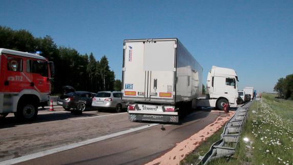 Burgau/Zusmarshausen: Sechs Verletzte nach Unfall auf der A8 - Sperrung aufgehoben