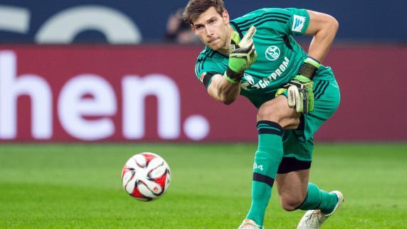 FC Augsburg vor Verpflichtung von Fabian Giefer von Schalke 04