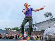 Bildergalerie: Coldplay spielen vor 65.000 Menschen im Olympiastadion