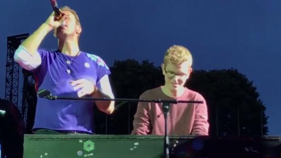 Nürnberger begleitet Coldplay - vor 70.000 Zuschauern