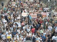 Köln: 3000 Muslime setzen bei Friedensmarsch Zeichen gegen Terror