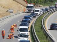 Augsburg: Bauarbeiten auf B17: Kilometerlanger Stau bei 30 Grad