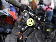 Kommentar: Fördert die Radlnacht die Akzeptanz zwischen Radlern und Autofahrern?