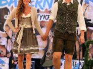 Oettinger Kirchweih: Modenschau im Festzelt