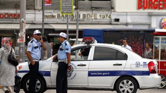 Polizist in Istanbul von Angreifer erstochen