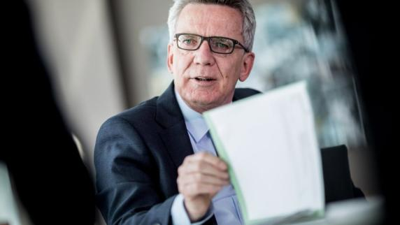 CDU-Bundesinnenminister: Thomas de Maizière fordert geringere Leistungen für Asylbewerber