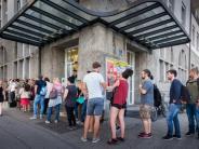 Behördengänge: Digitale Verwaltung: Warum wir immer in Bayern noch anstehen