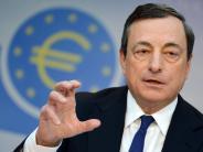 Europäische Zentralbank: EZB lässt Geldpolitik unverändert: Gibt Draghi Signal für Ausstieg?