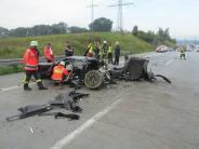 Dasing/Augsburg: Auto überschlägt sich auf A8 - zwei Verletzte