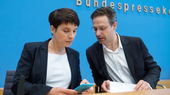 Bundestagswahl: Petry und Ehemann Pretzell wollen AfD verlassen