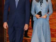 Royal Baby: Schwangere Kate zeigt zum ersten Mal ihren Babybauch