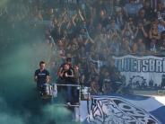"""Kommentar: Randale bei Viertliga-Derby in Augsburg: Schuld sind nicht """"die Ultras"""""""