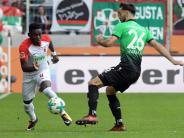 FC Augsburg: FCA verliert gegen Hannover 96 mit 1:2