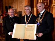 Augsburg: Feierliche Verleihung: Lutherischer Pfarrer erhält Friedenspreis
