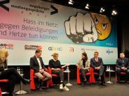 """Augsburger Mediengespräche: """"Ich bin jedes Mal tief verletzt"""": Wie Menschen Hass im Netz erleben"""