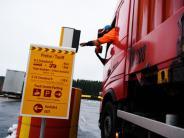 """""""Brummihotel"""": Wie LKW-Fahrer auch in Zukunft sichere Parkplätze finden sollen"""