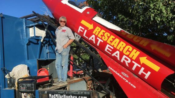 Selbstgebaute Rakete soll flache Erde beweisen