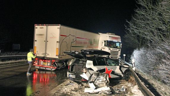 Kreis Neu-Ulm: 100.000 Euro Schaden bei Unfall auf der A7